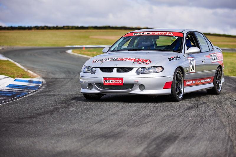 V8 Commodore - extra laps